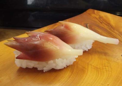 『市場寿司 たか』特製の酢漬け茗荷の握り