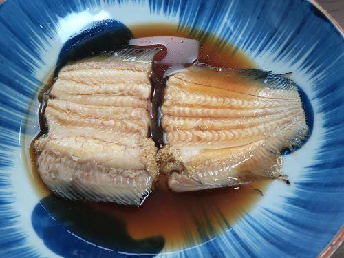 シマウシノシタの煮つけ