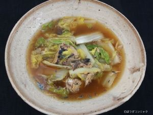 サバ水煮缶と白菜煮