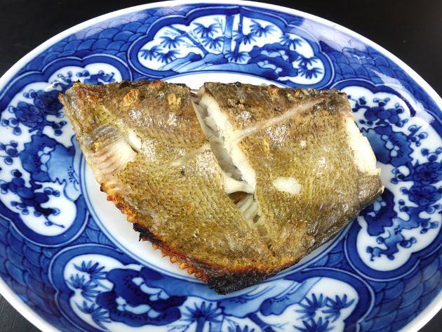 ミカヅキツバメウオの塩焼き