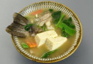 タテスジハタの魚汁