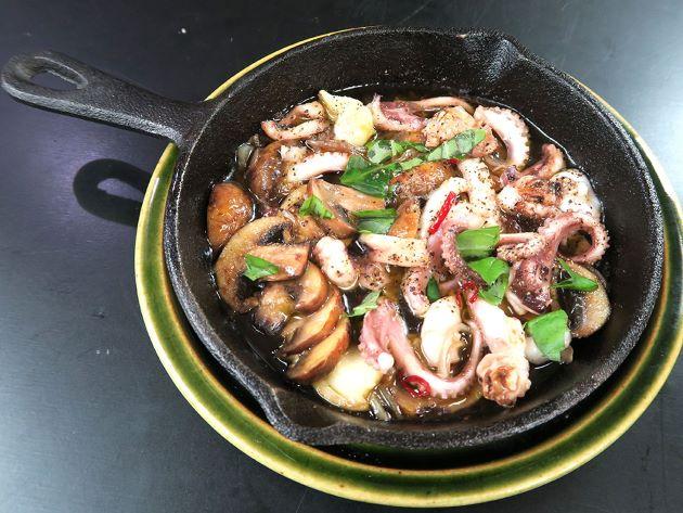 イイダコモドキのオリーブオイル焼き
