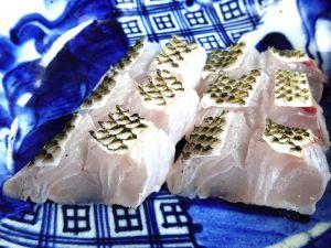 マトフエフキの皮霜造り