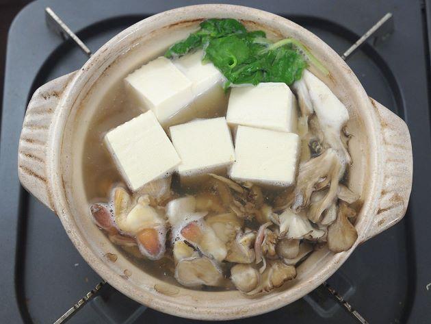 ウバガイ(ホッキガイ)の湯豆腐