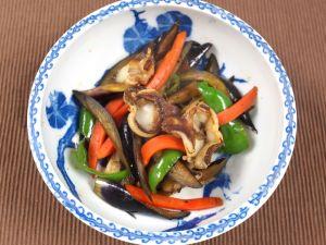 オオミゾガイと夏野菜の炒め煮