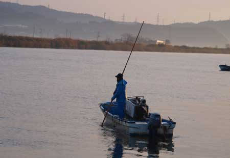 宍道湖のヤマトシジミ漁