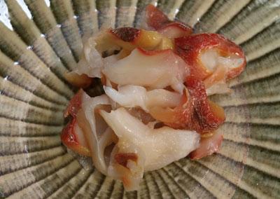 ハシナガニシの刺身