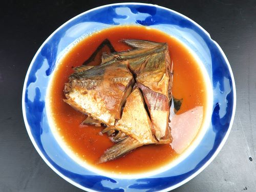 ミナミギンガメアジの煮つけ