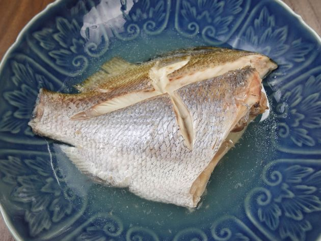 ヒゲソリダイの塩煮