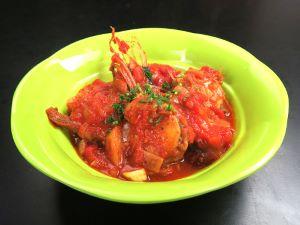 キアンコウのトマト煮込み