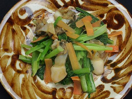 アラスジサラガイの野菜炒め