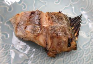 ヒレグロコショウダイの塩焼き