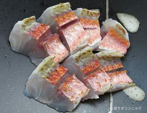 アカヒメジの刺身(焼霜造り)
