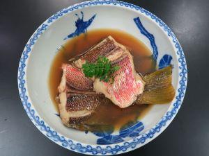 ヨコスジフエダイの煮つけ
